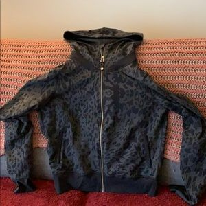 Lululemon animal print sip zip up size 12